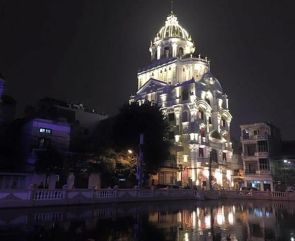 thi công lâu đài cổ điển ở Đinh Văn